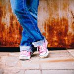 feet-legs-standing-waiting-55801
