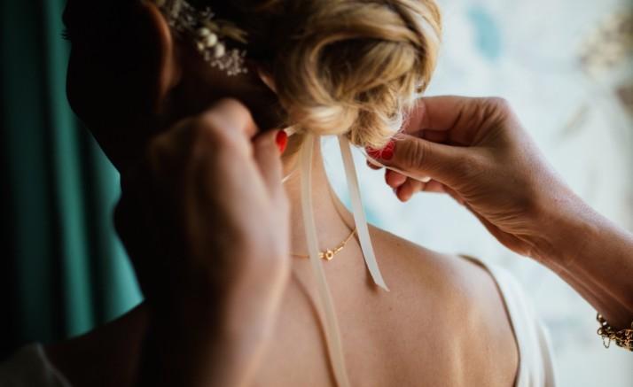 今流行りの「ルーズヘア」で女子力UP♡3分でできる簡単ゆるふわヘアスタイルの仕方