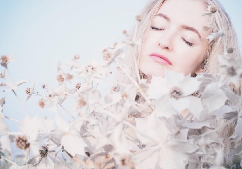 美白・美肌に憧れる女性のための、誰でも簡単にできる「アイスバッグ法」をご紹介 アイキャッチ画像