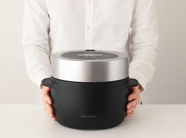 バルミューダから炊飯器が登場!お米を蒸気で炊く気になる性能に期待高まる アイキャッチ画像