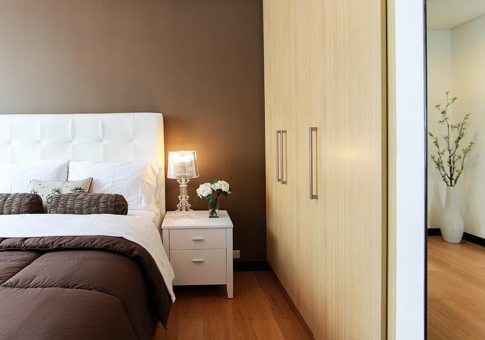 快適な空間で眠りたい!!ベッドを綺麗にするだけで安眠だって◎ アイキャッチ画像