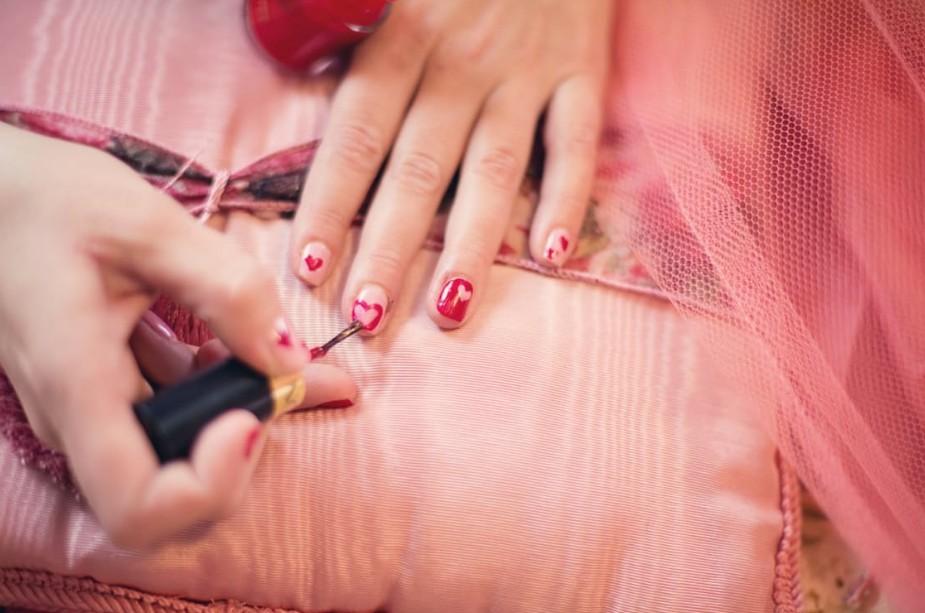 指先までバレンタインの魔法をかけて。オトナなオシャレネイル15選