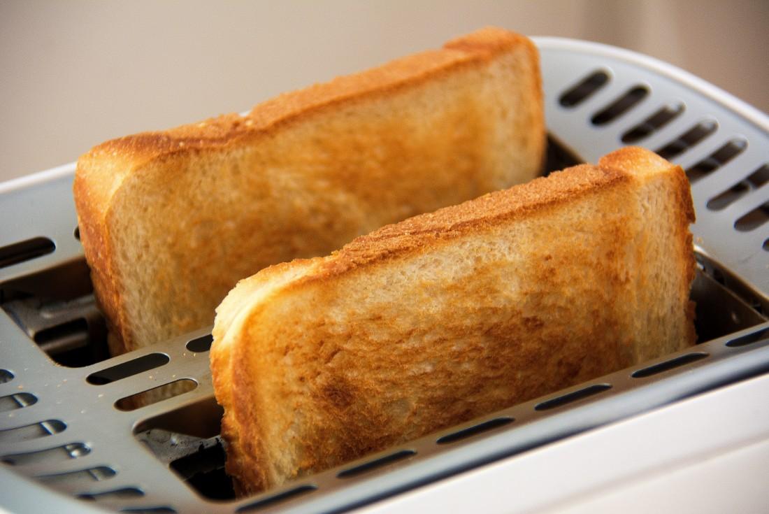 今話題の4つのトースターの違いを徹底調査◎気になる機能や特徴とは?