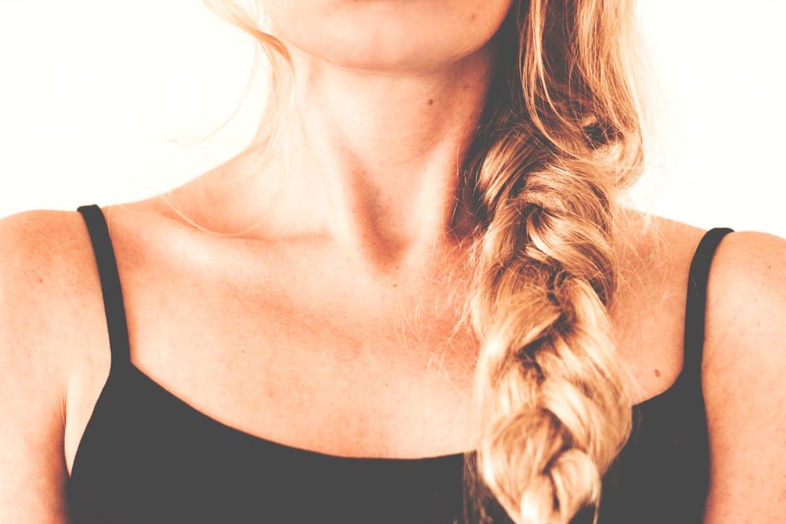 可愛い三つ編みで愛されヘアに♡男ウケ&女ウケの三つ編みアレンジ6選 アイキャッチ画像