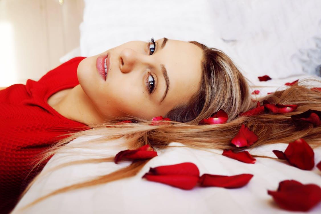 化粧水を冷やすのはNGだって知ってた?「冷やし美容」の間違いを徹底検証! アイキャッチ画像