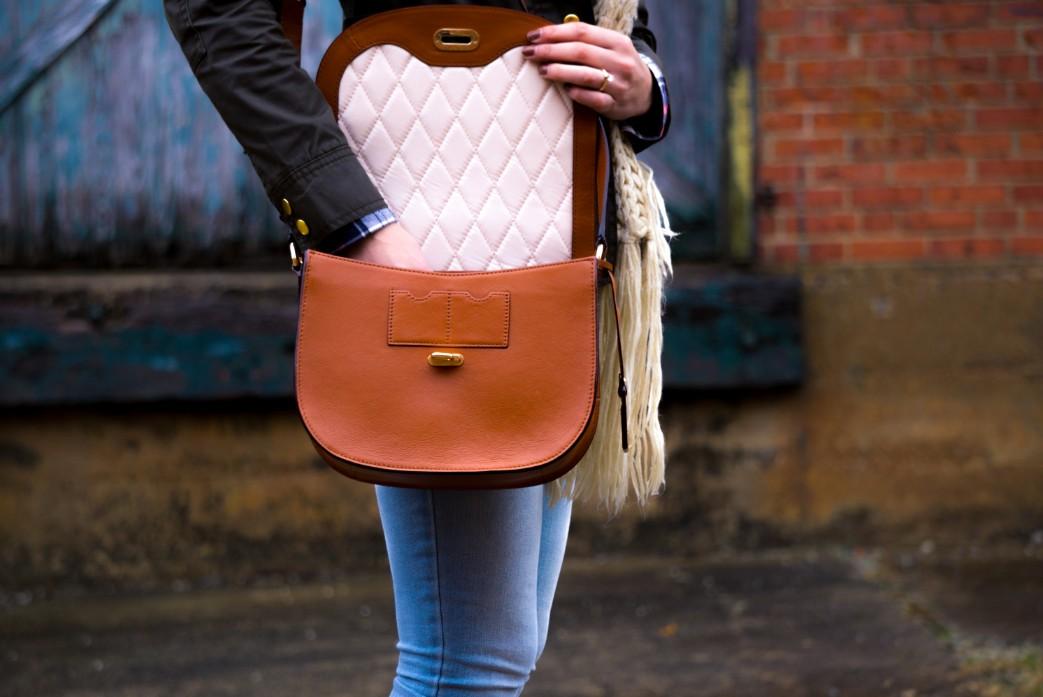 通勤バッグはこだわりブランドで。一目置かれる、オススメ新作バッグ特集 アイキャッチ画像