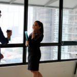 ノーカラージャケットのオフィスコーデ&お出かけコーデ15選!きれいめアイテムで女力をUP♡ アイキャッチ画像