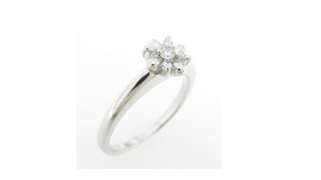 フラワー ダイヤモンドリング