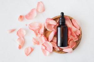 いい香りの人気化粧水おすすめ8選|癒やしの香りで贅沢スキンケアタイムを アイキャッチ画像