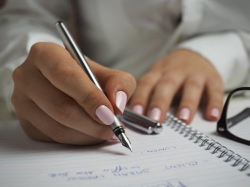 スケジュール管理だけじゃない!デキる女の手帳の書き方