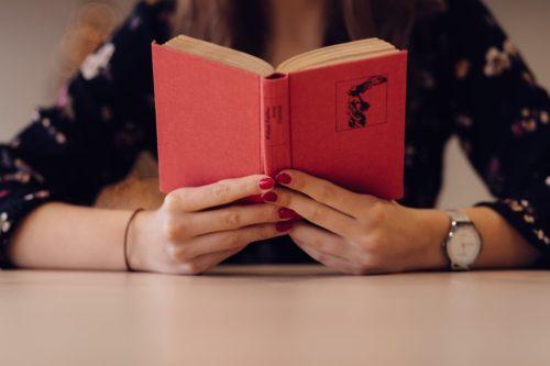 30代女性におすすめの自己啓発書BEST4◎読書タイムを活用して自分磨きを