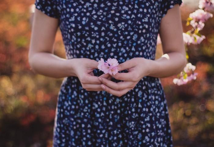 【トレンドコーデカタログ】春色トップスで、季節を感じる着こなしを実現しよう アイキャッチ画像
