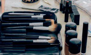 エトヴォスは皮膚科採用の国産ミネラルファンデーション。ストレスフリーで艶美肌を手に入れよう☆ アイキャッチ画像