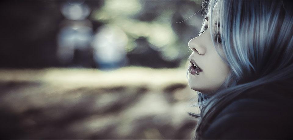 ブルージュヘアカラー。暗髪もハイトーンもかわいいトレンド感抜群の髪色をご紹介。 アイキャッチ画像