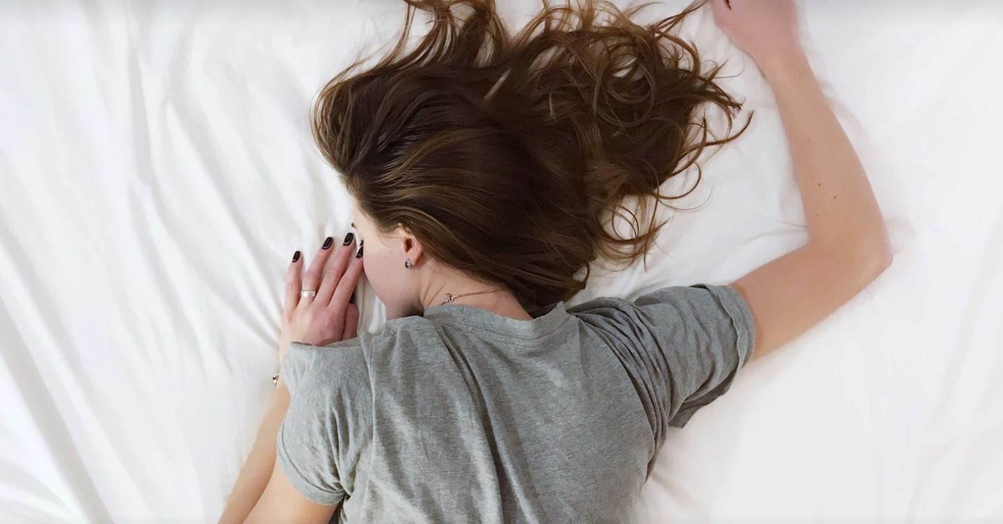 新マストアイテム「ナイトブラ」って何?着けて寝るだけの睡眠育乳をしよう。
