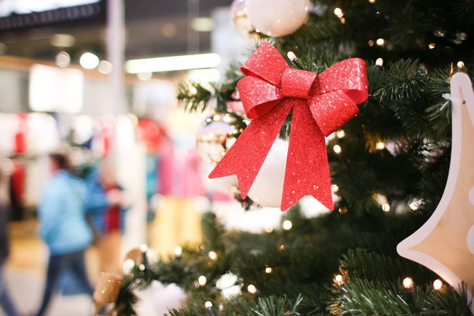 【2017年版】クリスマスコフレ特集!発売日や金額など詳しい情報をご紹介。贅沢なコスメアイテムが詰まったコスメ宝箱でおしゃれを楽しもう♡ アイキャッチ画像