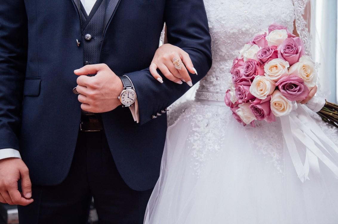 出会いアプリで結婚できちゃう?!本気で婚活したい人にオススメの優良アプリを調査♡ アイキャッチ画像