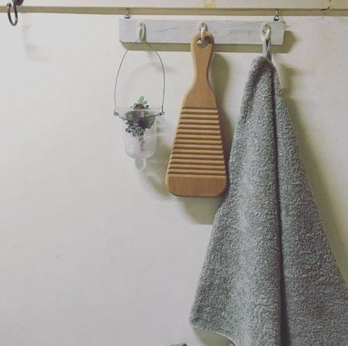 汗染みや黄ばみの落とし方◎頑固な汚れもすっきり綺麗に洗える方法を紹介