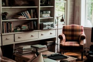 ヘルニアさんにもおすすめできる座椅子特集。腰痛タイプ別で選び方を紹介! アイキャッチ画像