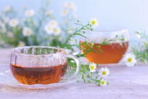 生理痛を和らげる飲み物20選とNG飲料4選。注意すべき飲み合わせも。 アイキャッチ画像