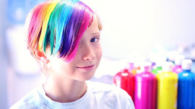 カラフルな髪色